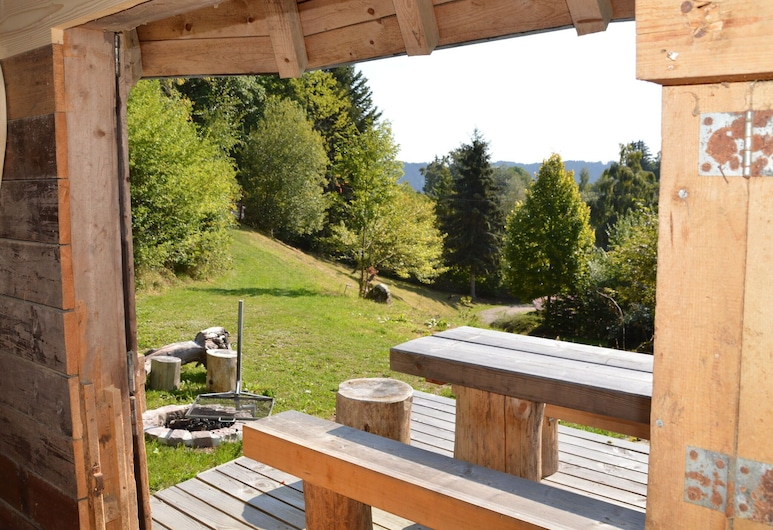 Welcoming Apartment in Urberg With Balcony, Dachsberg (Südschwarzwald), Garden