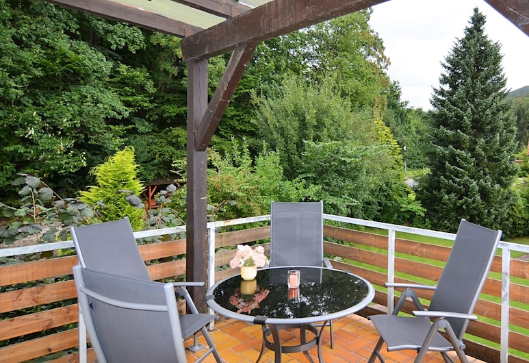 Large Holiday Home by Bad Pyrmont in Weser Uplands - Balcony, Terrace, Garden, Bad Pyrmont, Apartment, Balcony