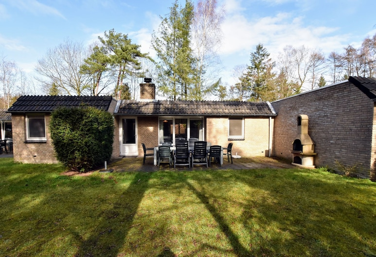 Appealing Holiday Home in Guelders Near Forest, Lochem