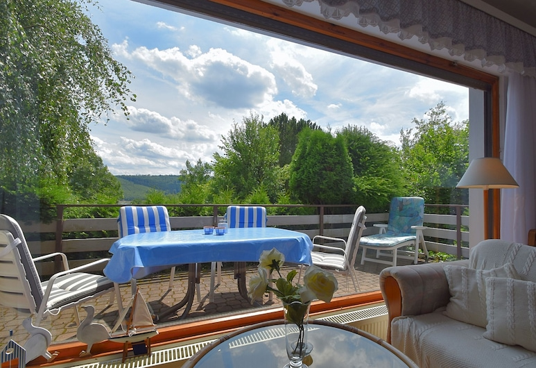 Cozy Holiday Home in Langscheid With Panoramic Views of Lake Sorpesee, Sundern, Balcón