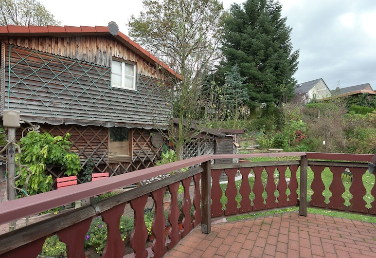 Quaint Holiday Home With Private Balcony in Trusetal, Brotterode-Trusetal, Balcony
