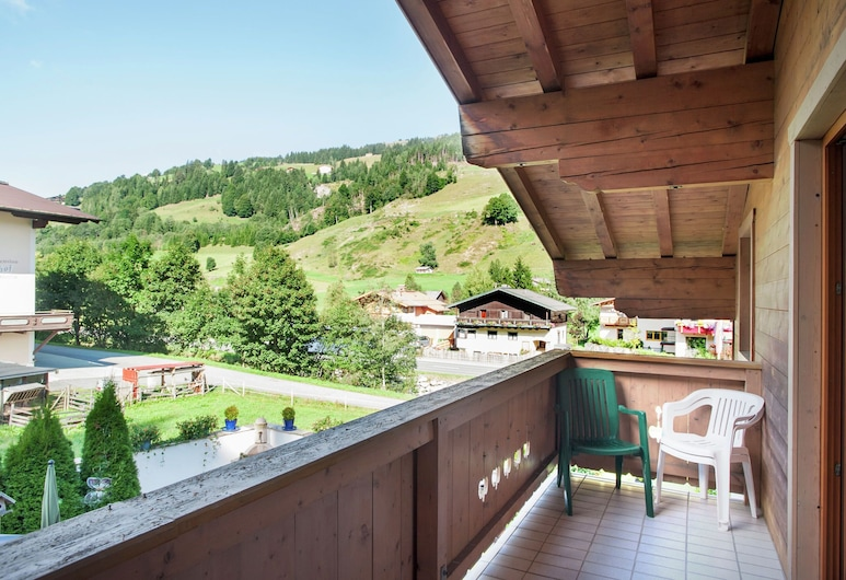 Comfortable Apartment in Saalbach-hinterglemm Near Ski Area, Saalbach-Hinterglemm, Departamento, Balcón