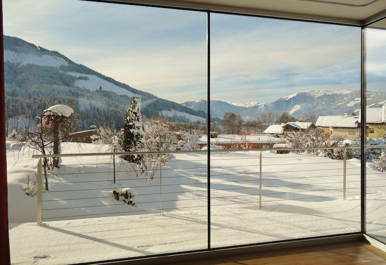 Charming Apartment in Maria Alm With Balcony, 石海山麓萨尔费尔登, 花园