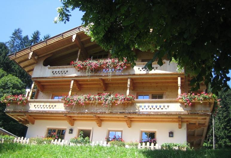 อพาร์ทเมนท์พื้นที่กว้างขวางพร้อมวิวภูเขาในบริกเซิน อิม ธาเลอ, Brixen im Thale
