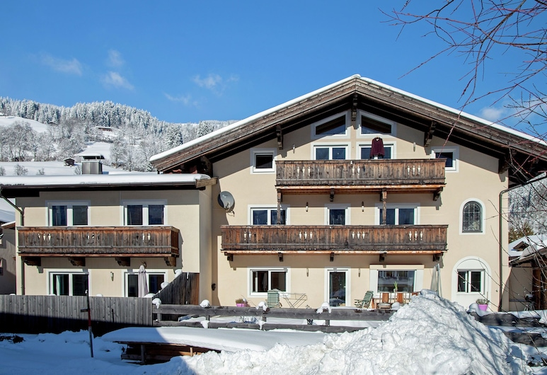 Luxurious Apartment in Brixen im Near Ski Area, בריקסן אים טהאל