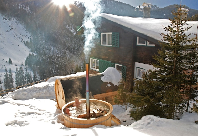 Beautiful and Very Luxurious Chalet in Walking and Skiing Area Innerkrems, With Sauna and Hottub, Krems in Kärnten