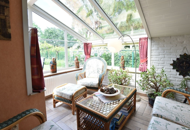 Family Home in a Quiet Location With Beautiful Garden and Close to the Beach, Bredene, Nhà, Phòng khách
