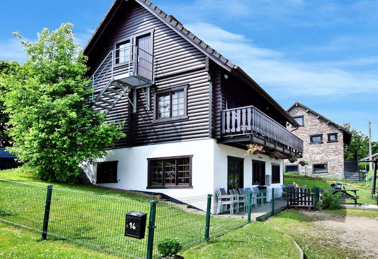 Pleasing Chalet in Fraiture With Balcony, Garden, Vielsalm, Exterior