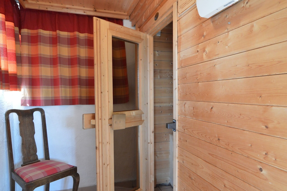 Pretty Holiday Home in Ondenval With Sauna, Hautes Fagnes