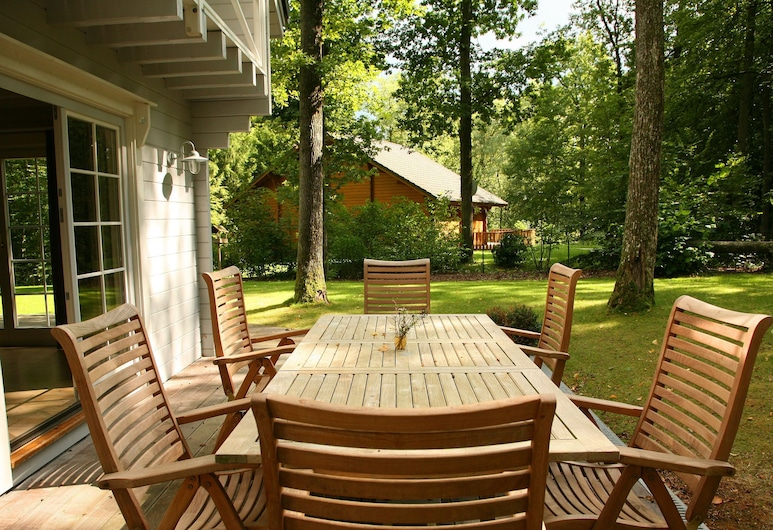 An Attractively Furnished Chalet in a Modern Style. There is Plenty to Enjoy in the Surrounding Area, Durbuy, Svalir