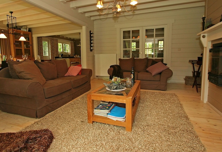 Countryside Chalet in Bomal sur Ourthe With Sauna, Balcony, Durbuy