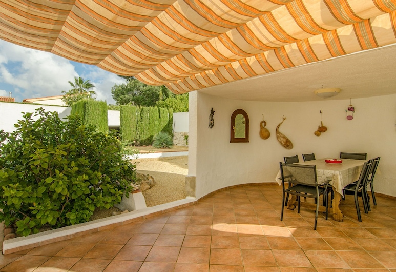 Gorgeous Villa With Private Pool and Near Golf Course and Beach, Benissa
