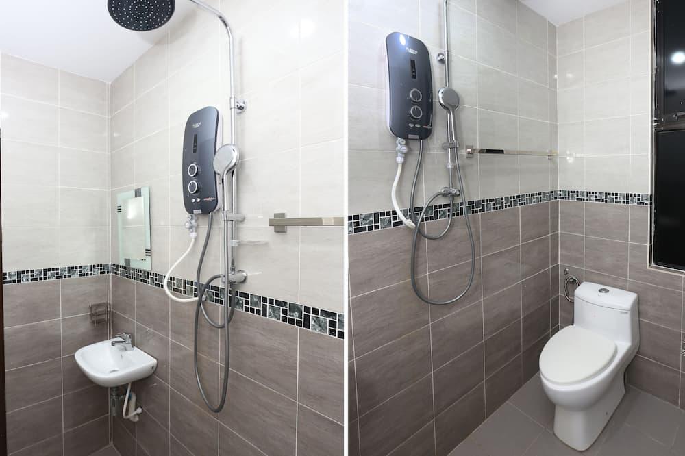 Třílůžkový pokoj typu Deluxe - Koupelna