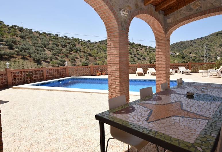 Beautiful Detached Villa Near Arenas With Delightful Terrace and Stunning View, Arenas, House, Balcony