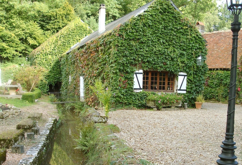 Quaint Holiday Home With Private Pool in Burgundy France, Preporche