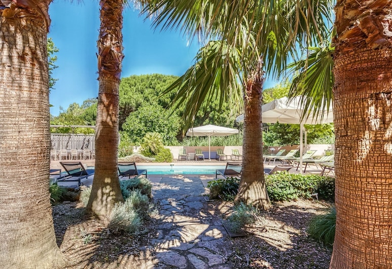 Villa With Guest Accommodation and Heated Pool in Sainte Maxime, Sainte-Maxime, Garden