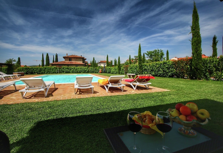 Spacious Cottage in Lucignano With Garden, Lucignano, Pool