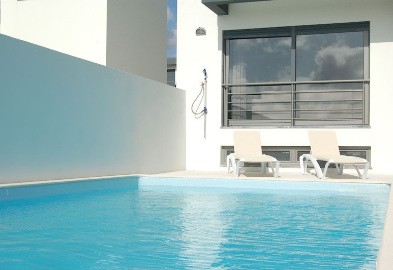 Super Luxury Villa With a Private Pool and Game Room, About 400 m From the Ocean, Lourinha, Bazen