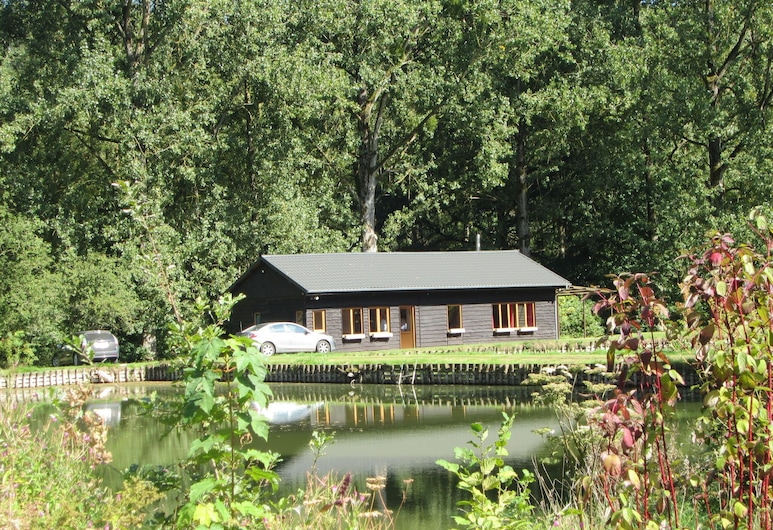 Beautiful Holiday Home in Braibant Near Ciney Town Center, Ciney