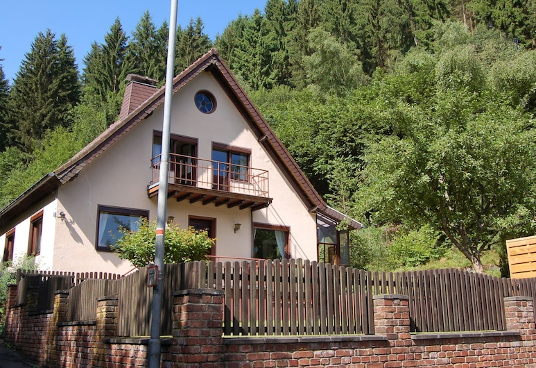 Cozy Holiday Home in Hellenthal Eifel With Garden, Hellenthal