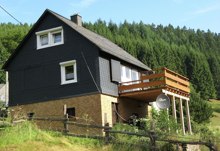 Holiday Home in the Sauerland With a Large Terrace and a Spaciously Furnished Interior, Bad Laasphe