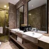 Elite Suite, City View - Bathroom