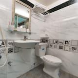 Double Room (A) - Bathroom