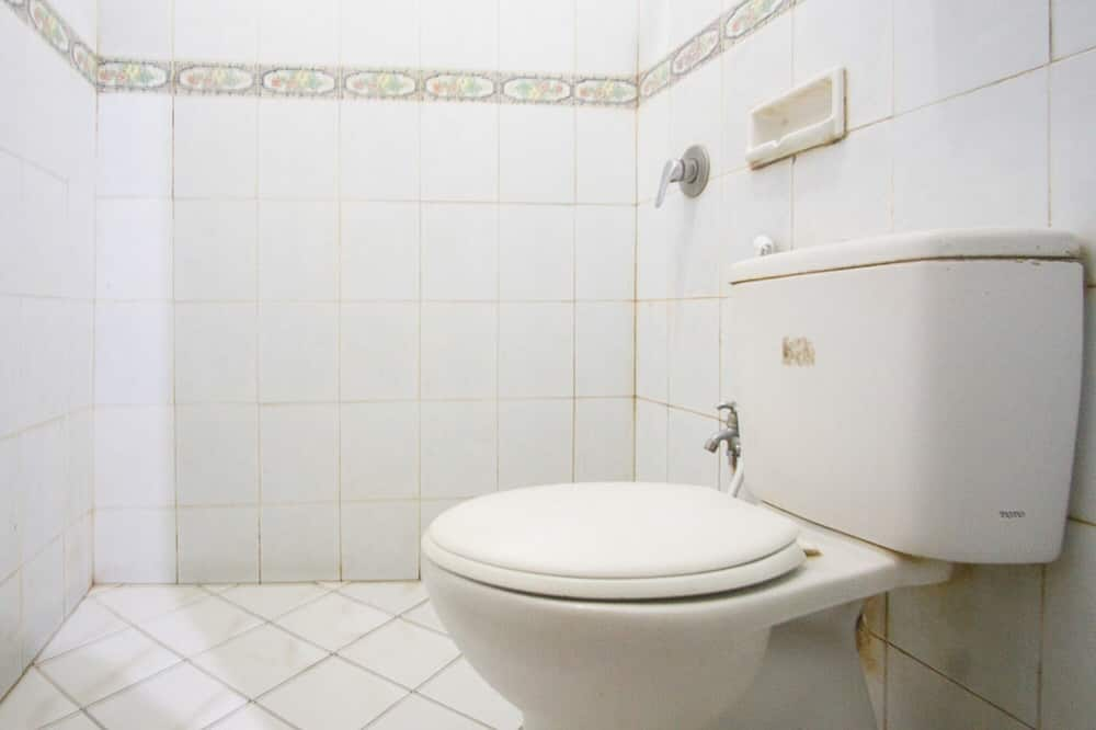 Quarto Duplo (RedDoorz) - Casa de banho