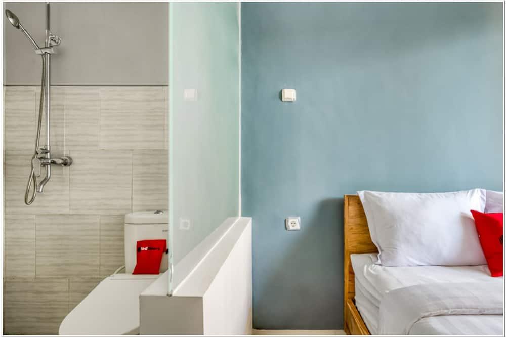 Double Room (RedDoorz) - Bilik mandi