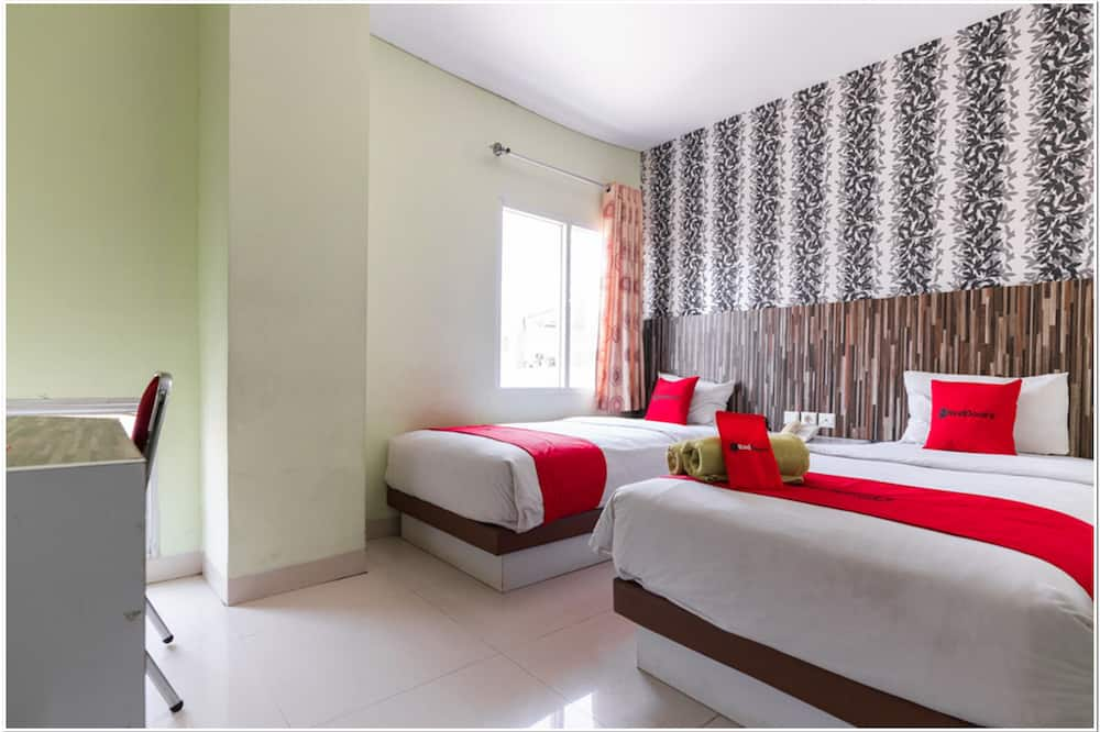 חדר טווין (RedDoorz) - חדר אורחים