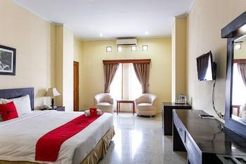 A(z) RedDoorz Plus near Alun Alun Karanganyar hotel fényképe itt: Karanganyar
