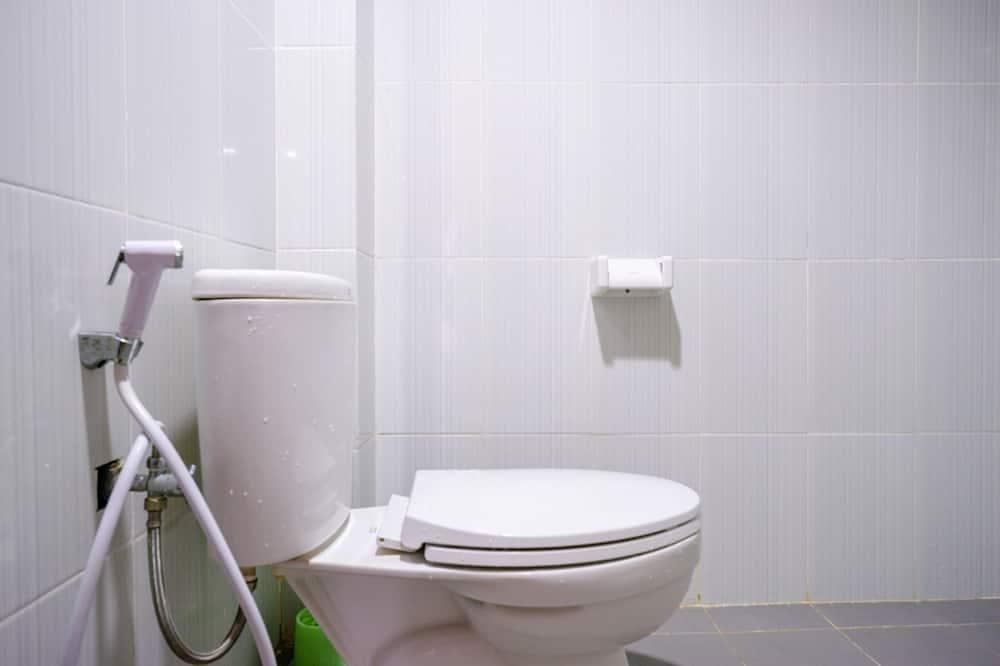 Familienzimmer (RedDoorz) - Badezimmer