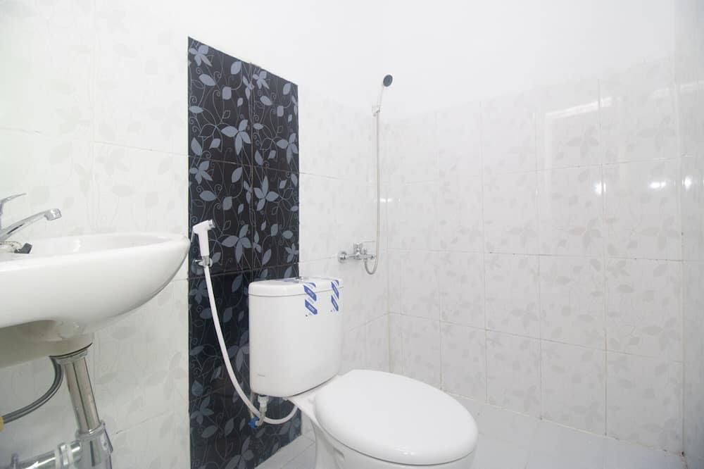 Habitación doble (RedDoorz) - Cuarto de baño