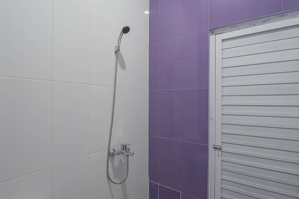 غرفة مزدوجة (RedDoorz) - حمّام