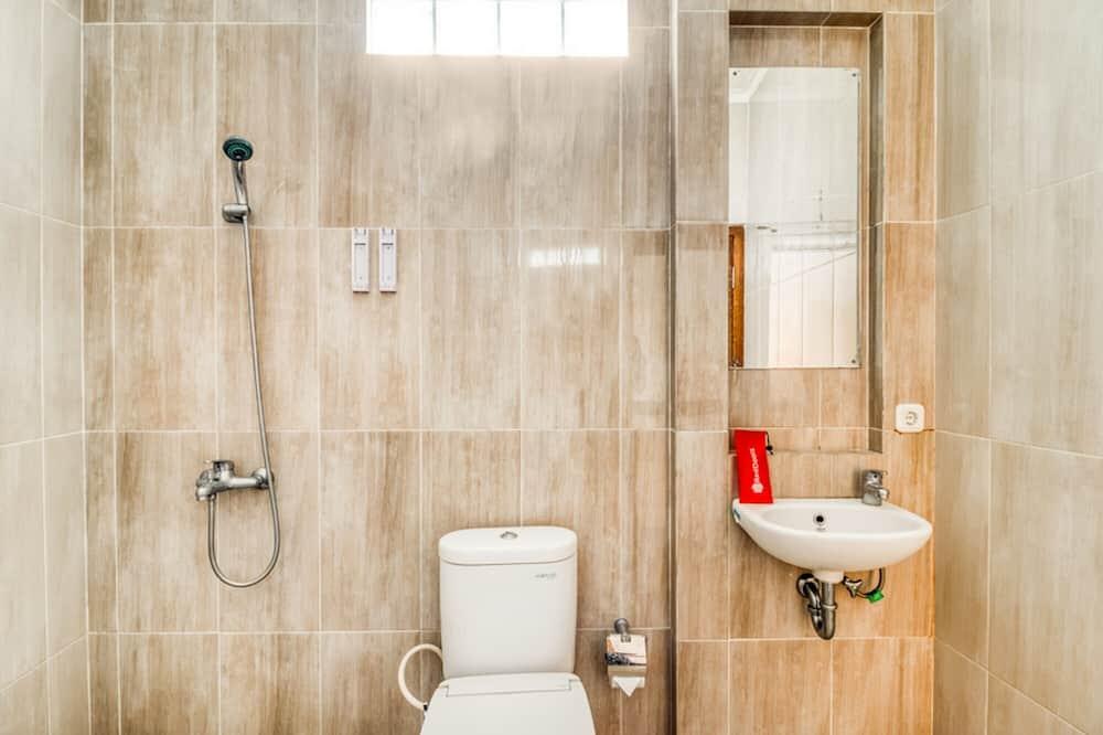 Premium Room (RedDoorz) - Bathroom
