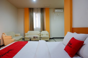 Enter your dates for our Palu last minute prices