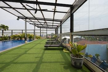 صورة RedDoorz Apartment near Grand City Mall في سورابايا