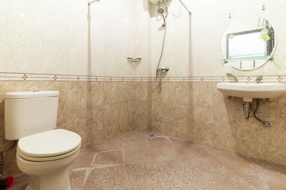ห้องดับเบิล (RedDoorz) - ห้องน้ำ