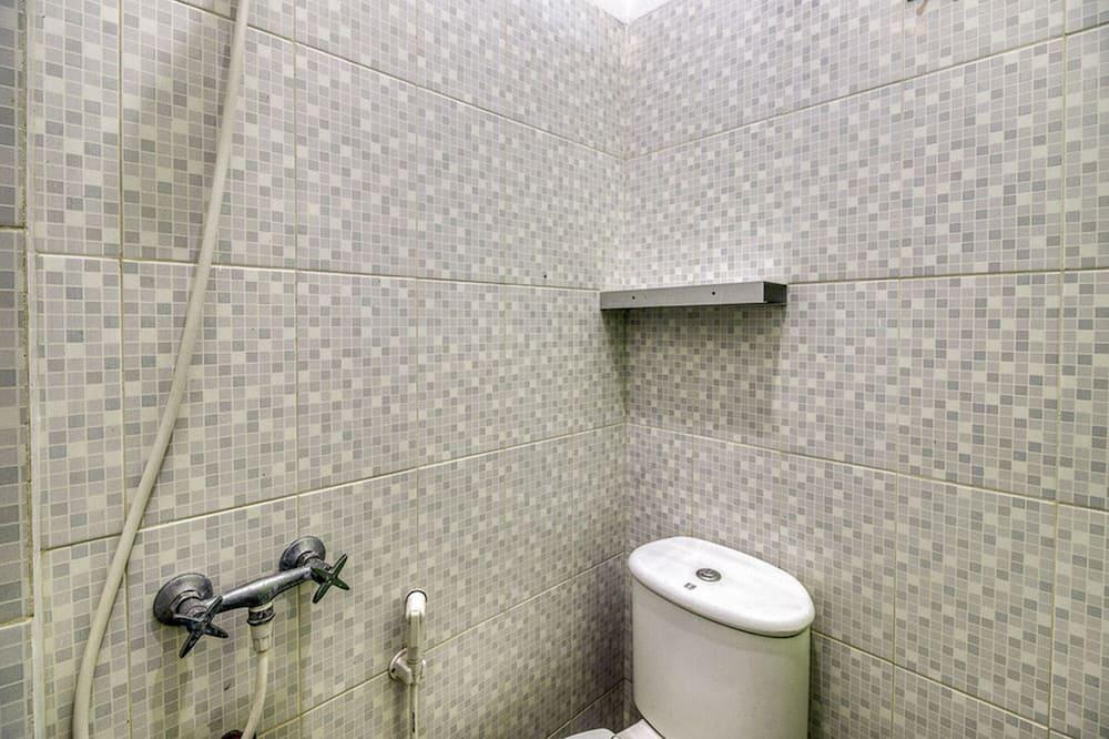 Single Room, Women only (RedDoorz) - Bathroom