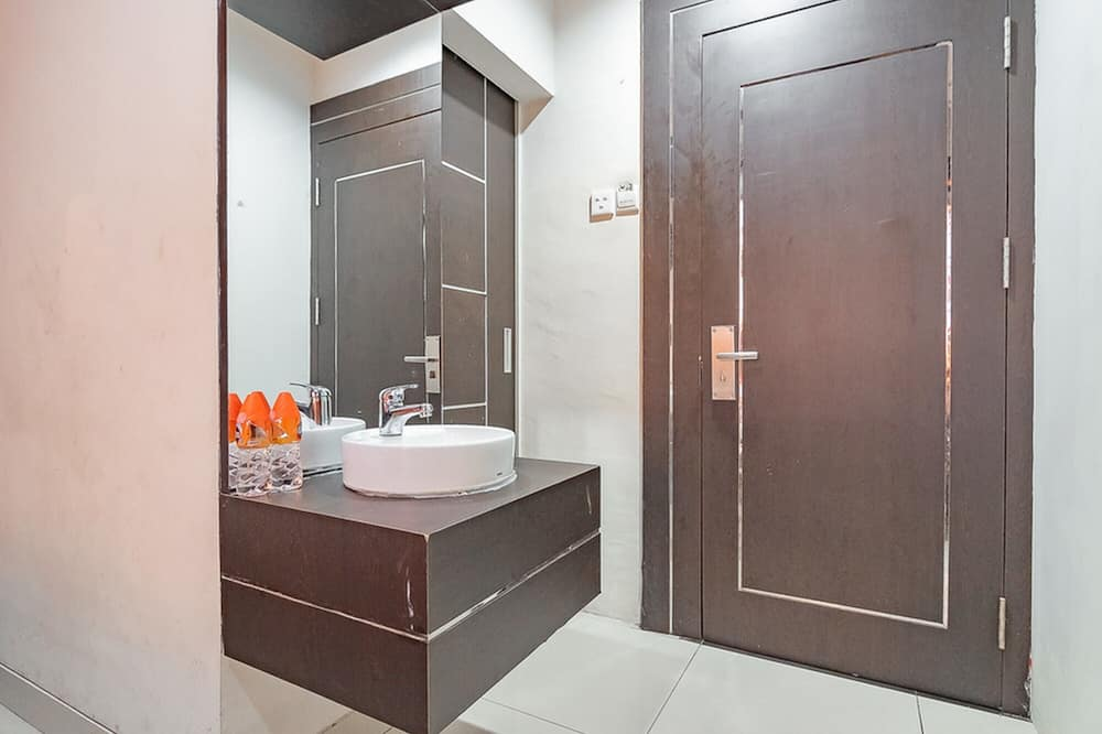 Kamar Twin (RedDoorz) - Kamar mandi