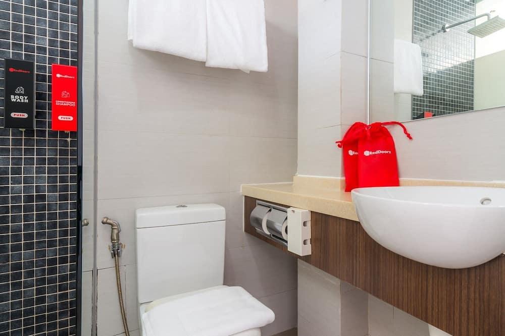 Executive-Doppelzimmer (RedDoorz) - Badezimmer