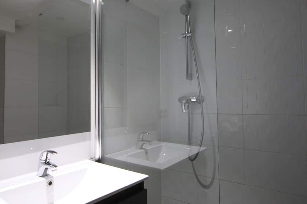 Appartement, 3 slaapkamers, op benedenverdieping - Badkamer