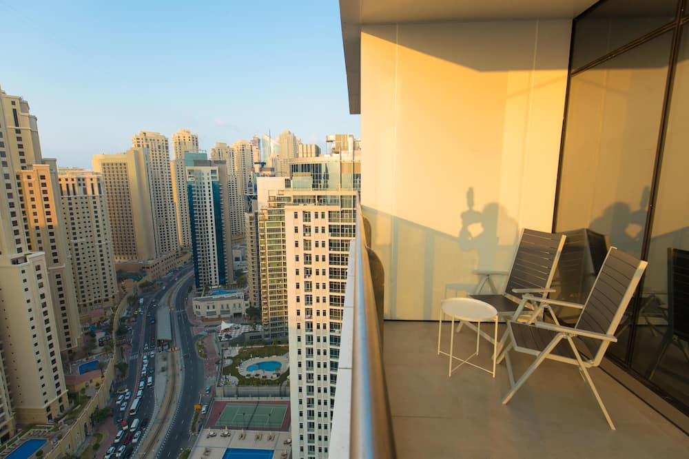Sparkle Tower 2704 - Balcony