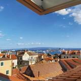 Dzīvokļnumurs, skats uz jūru - Galvenais attēls