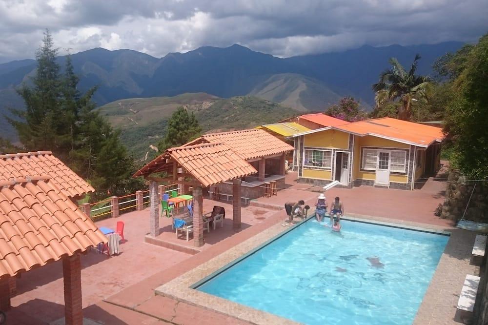 Hostal Villa Rosas