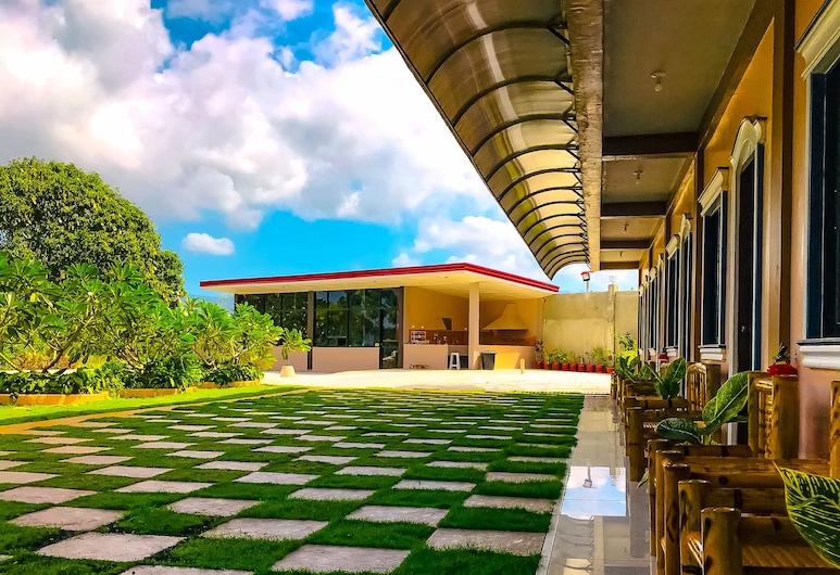 La Plumerias, 莫阿爾博阿, 酒店正面