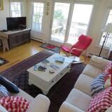 Domek, více lůžek, kuchyně - Obývací pokoj