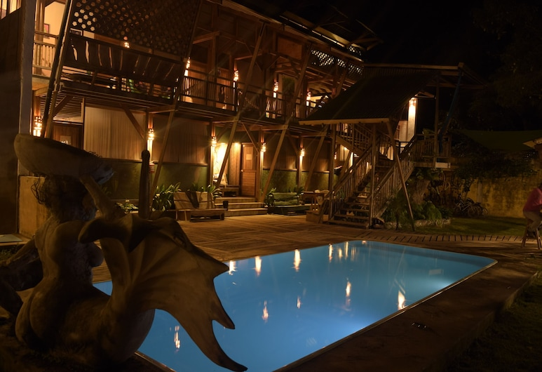 El Fauno Hostel, Tambopata, Piscina