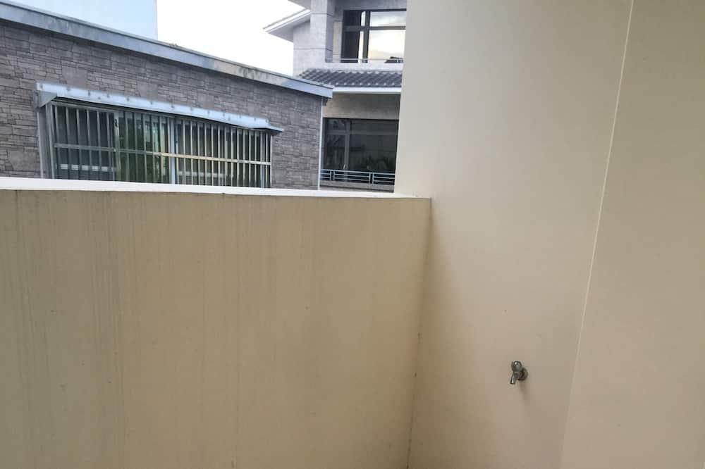 Четырехместный элитный номер - Балкон