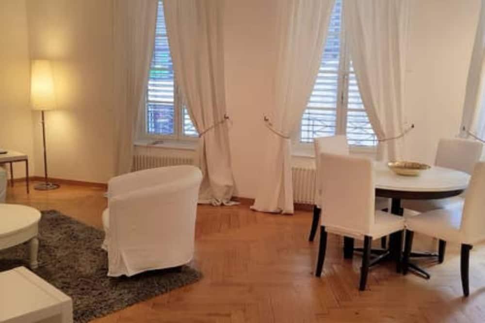 شقة مريحة - غرفة نوم واحدة - غرفة معيشة